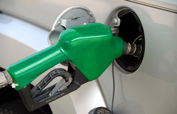 Кабмин ввел госрегулирование цен на бензин и дизтопливо